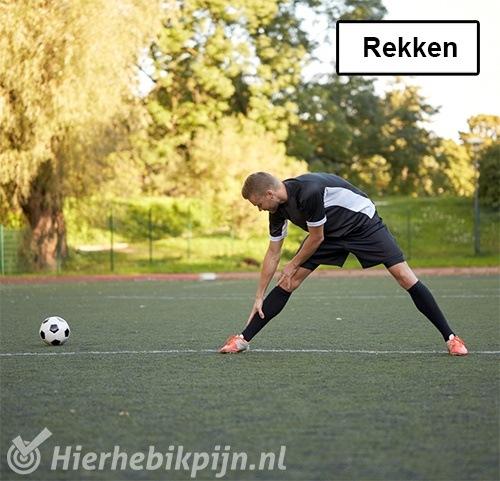 voetbal rekken strekken stretchen oefeningen